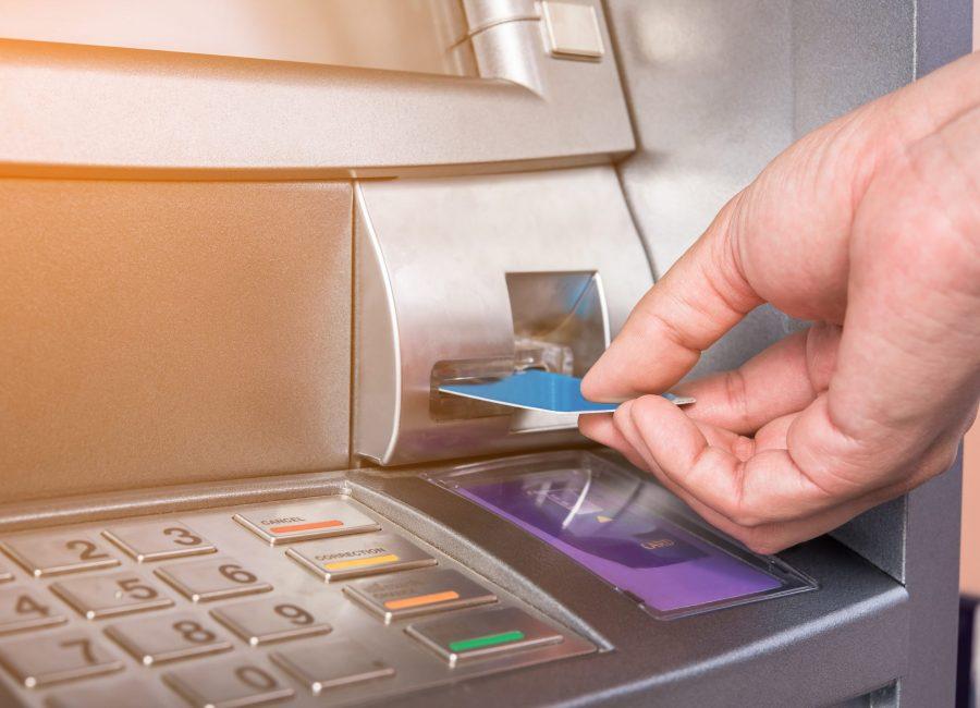 rmda-ss-financial-industry-swiping-card.2560.1709
